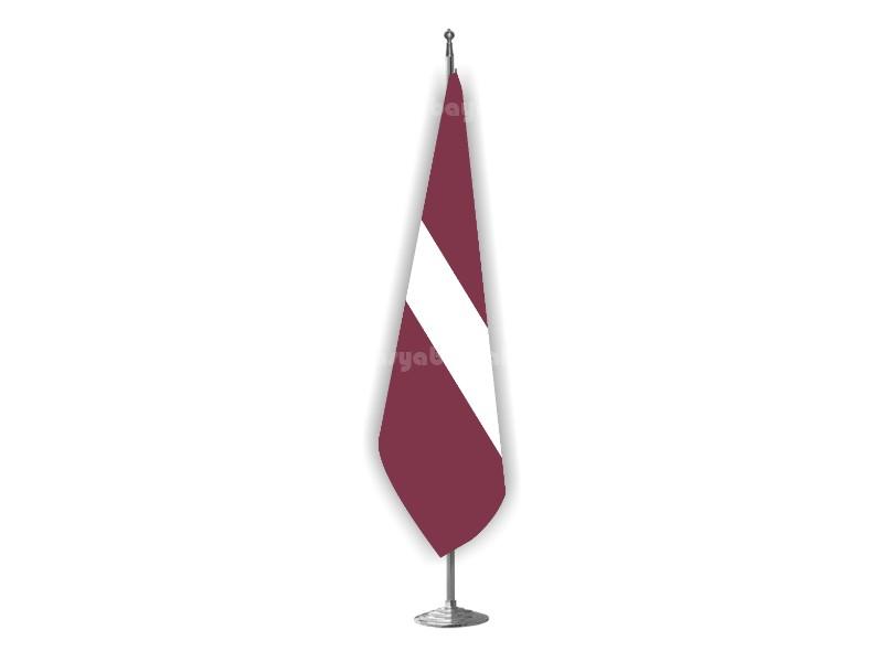 Letonya Makam Bayrağı