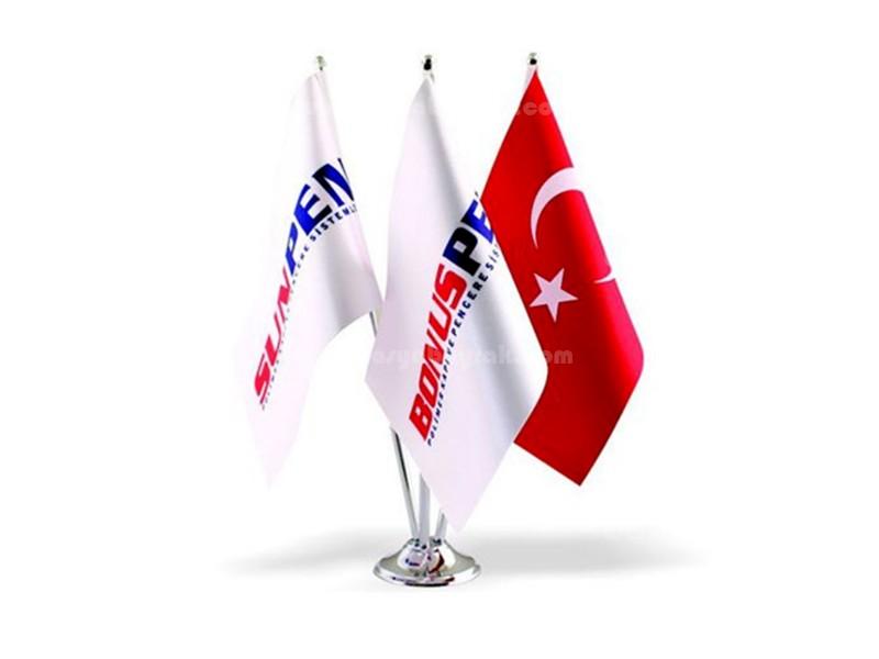 Üçlü Masa Bayrağı
