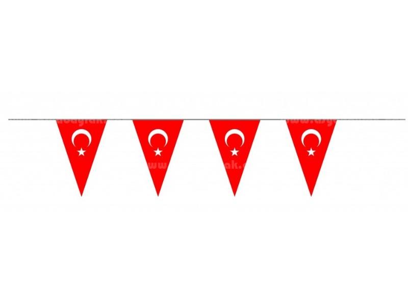 Üçgen Süsleme Türk Bayrak