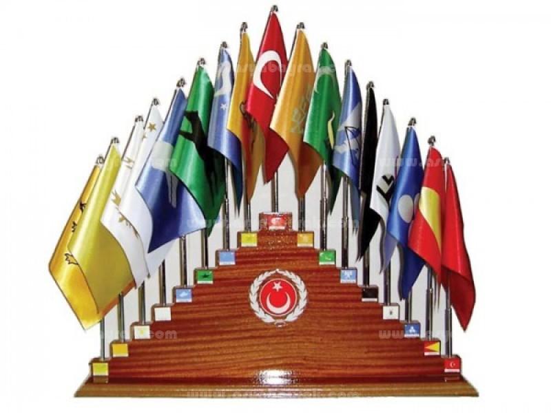 27li Kaide Eski Yeni Türk Devleti Bayrakları